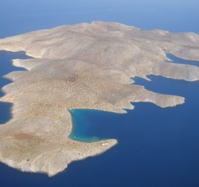 Let's go Sailing: Dia Island in Crete with all Myths a...